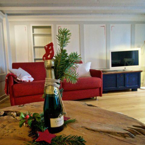 Zum-Grauen-Wolf-In-der-Grub-19-Ferienwohnung-Etage1-2Zimmer-Lindenschanze-Wohnzimmer1