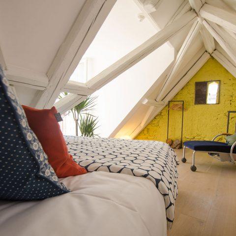 Zum-Grauen-Wolf-In-der-Grub-19-Ferienwohnung-Etage3-2Zimmer-Gerberschanze-Schlafzimmer2